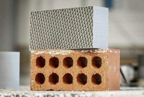 Tijolo Impresso 3D de Plástico Reciclado Supera os de Argila em Isolamento
